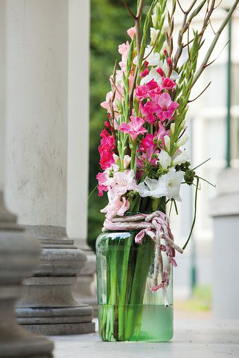 Place Cut Stems Immediately Into Water - Emotions Gladiolus